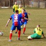 Rolnik Skąpa (stroje niebiesko-czerwone) - GKS Dubidze (żółto - zielone)